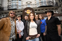 "Rachael Warwick with her band ""New Jack Union"" Left to Right; Dean Rees, Ric (Sly) Jones, Paul Keyes, Rachael Warwick, Chris Startup, Liam Bennett, Matt (Shiny Clay) Clayson"